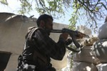 Mỹ tuyên bố dùng không kích bảo vệ phe nổi dậy Syria