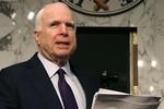 McCain kêu gọi Mỹ trả đũa Nga bằng cách ném bom lực lượng Assad
