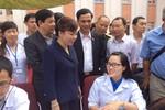Bộ trưởng Bộ Y tế vượt 800km thăm khám sức khỏe nhân dân Mường Nhé