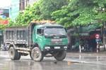 Bị xe tải đâm, một phụ nữ chết thảm trên QL 1A