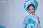 Hoàng Anh đem tranh gạo tới Miss Earth
