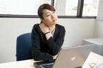 4 động tác đơn giản, giảm nguy cơ mắc bệnh do ngồi làm việc lâu