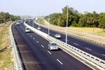 Phí 1,2 triệu đường cao tốc Nội Bài - Lào Cai: Đắt hay rẻ?