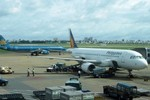 Chi tiết vụ máy bay Vietnam Airlines suýt đâm máy bay quân sự