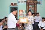 Lãnh sự Nam Phi tại TP.HCM trao tặng 10 căn nhà tình thương ở Hậu Giang
