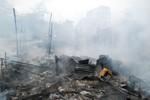 Hà Nội: Cháy lớn thiêu rụi 8 nhà dân