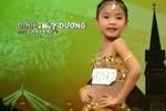 Bé gái 7 tuổi 'lột áo, xé váy' làm hài lòng GK Got Talent