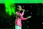 Cô bé hát dân ca khiến cả sân khấu The Voice Kids lặng đi