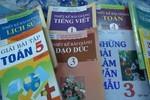 Sách tham khảo cho học sinh Tiểu học hại nhiều, lợi ít