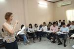 Lao động Việt Nam chủ yếu làm cửu vạn là do không biết tiếng Anh