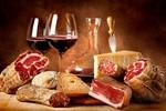 Ăn thịt và uống rượu cùng lúc có thể gây hại cho gan