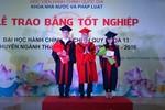 Trao bằng tốt nghiệp cho 72 cử nhân chuyên ngành Thanh tra