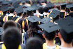 Nhiều cử nhân chỉ biết học rồi ra trường ngồi chờ bố mẹ đi xin việc