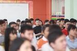 Trang Hạ khuyên sinh viên học làm người tử tế