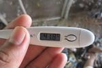 5 sai lầm thường mắc khi sốt cao
