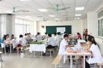 Các trường trung cấp khẩn thiết mong được Chính phủ cứu