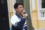 Ngưỡng mộ nghị lực của cậu học trò khiếm thị trường Nguyễn Thái Học
