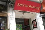 Tràn ngập biển quảng cáo Tây giữa phố cổ Hà Nội
