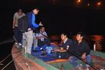 Vụ BS ném xác bệnh nhân: 16 thợ lặn vẫn chưa tìm thấy xác chị Huyền