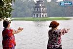 Người Hà Nội rèn luyện sức khỏe buổi sớm đầu đông
