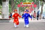 Hồ Hoàn Kiếm trang hoàng chào Xuân 2014