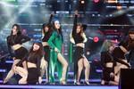 Phương Linh 'lột xác' trong lần đầu xuất hiện trên sân khấu BHYT