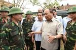Thủ tướng Nguyễn Xuân Phúc: Không để cảnh tiêu điều những nơi bão đi qua