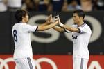 Ronaldo và Kaka ngẫu hứng nhảy Gangnam Style