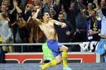 Chiêm ngưỡng 10 siêu phẩm của bóng đá thế giới năm 2012