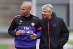 Henry đã trở lại tập luyện cùng Arsenal