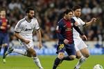 Messi bị bạt tai trong trận 'El Clasico'