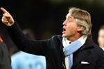 Mancini nổi cáu văng tục với phóng viên
