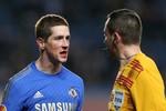 Đổ máu, nổ súng sau 16 trận tịt ngòi, Torres đưa Chelsea vào tứ kết