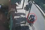 Clip: Vờ đi tiểu 3 lần để trộm xe máy bên đường