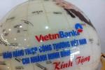 Tặng quả cầu in hình bản đồ nhạy cảm, VietinBank Ninh Bình nói gì?