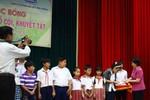 Vinamilk trao 150 học bổng cho HS nghèo, hoàn cảnh khó khăn ở Bến Tre