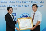 Thủ tướng tặng bằng khen chương trình Đèn Đom Đóm
