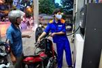 Giá xăng tiếp tục giảm mạnh 600 đồng/lít