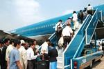 Tạm giữ hành khách Vietnam Airlines mở cửa thoát hiểm ở độ cao 12.000m