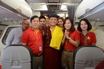 Hành trình thăm VN trên máy bay Vietjet của Đức Pháp Vương Gyalwang Drukpa XII
