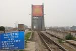 Cho phép xe dưới 7 chỗ được lưu thông qua cầu Việt Trì