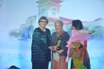 Trao giải thưởng Cống hiến trọn đời cho vợ cố GS.Tôn Thất Tùng