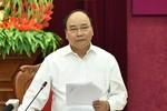 Hỗ trợ gạo cho người dân tham gia bảo vệ rừng tại Hà Giang, Nghệ An