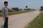 Hà Nội: Nổ súng giữa đêm, 4 thanh niên thoát chết