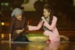 Bảo Thy khóc sướt mướt trên sân khấu khi song ca cùng Phương Thanh