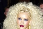 Những kiểu tóc 'điên rồ' của Christina Aguilera