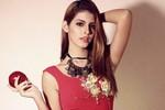 Andrea Aybar gợi ý váy xinh ngày Noel