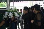 Người thân, đồng nghiệp nấc nghẹn đưa tiễn nhạc sĩ Thuận Yến
