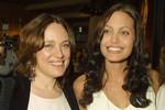 Angelina tiết lộ có linh cảm đặc biệt với mẹ quá cố