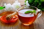 8 lợi ích từ uống nước ấm pha mật ong